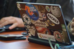 hacker-1569744_1280