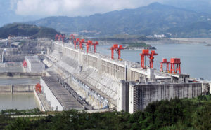 File:Three_Gorges_Dam,_Yangtze_River,_China.jpg, CC BY 2.0, https://commons.wikimedia.org/w/index.php?curid=11425004